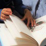 小学生になったら絵本の読み聞かせは不要?童話館の方に聞きました!