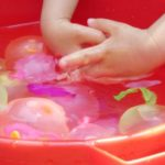 夏を楽しむ水遊びおもちゃ5選☆お風呂OKのアイテムも!