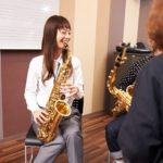 いつか楽器を習いたいと思っているママへ。子育て中の今が、大人の音楽レッスンの始め時!
