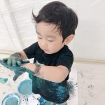 【絵具アートで!】広島・五日市「和久洋三のわくわく創造アトリエ」親子で思い切り遊んじゃおう☆